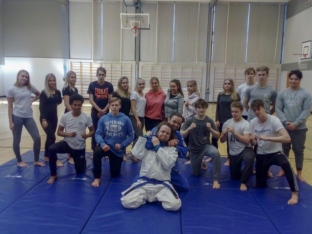 Judo osana koululiikuntaa